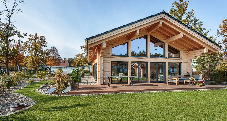 La construction d'une maison en bois finlandaise haut de gamme aux inspirations contemporaines